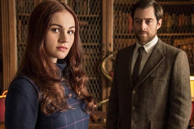 Christmas Kiss 3.Outlander Season 3 Episode 5 Sophie Skelton On That