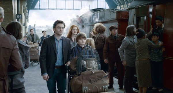 Harry Potter and his son Albus Severus on Plaform 9 3/4