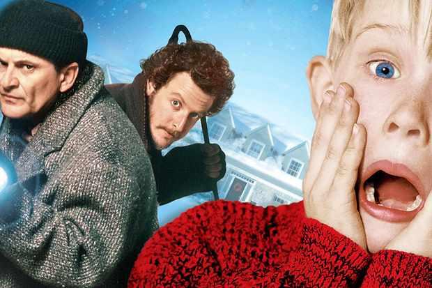 Joe Pesci, Daniel Stern and Macaulay Culkin in Home Alone
