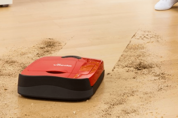 Vileda VR101 cleaning robot