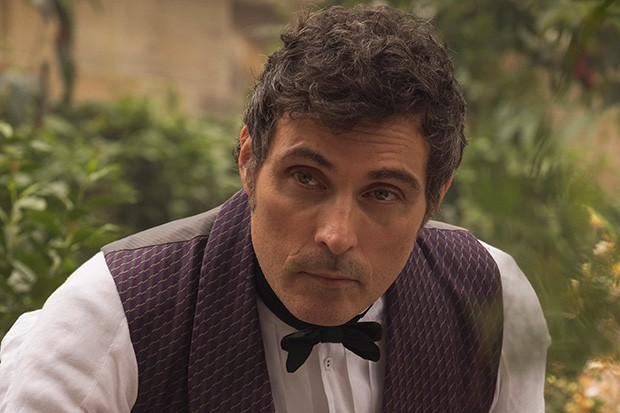 rufus-sewell-viccy