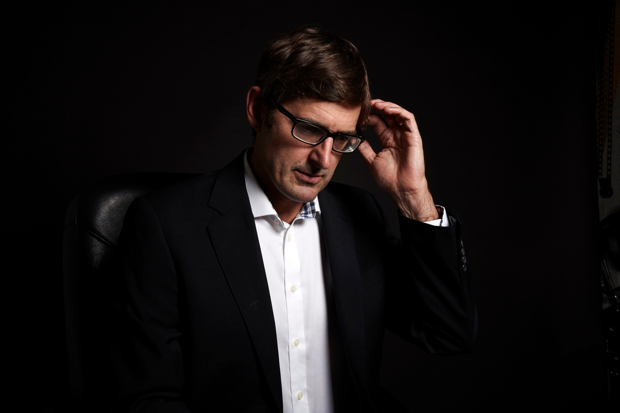 13078629-low_res-louis-theroux