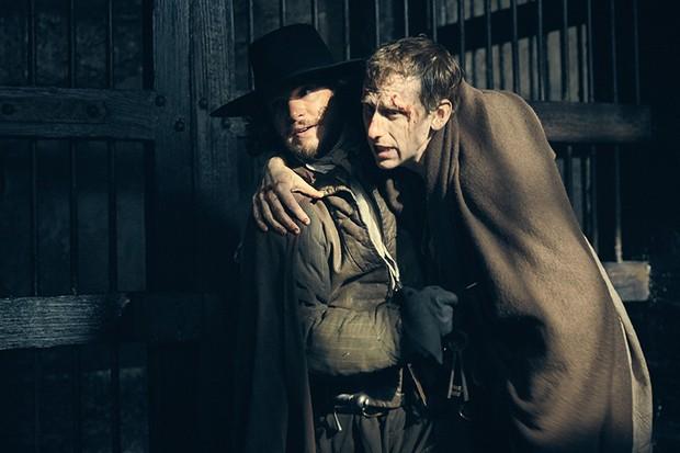 Kit Harington as Robert Catesby and Robert Emms as John Gerard in Gunpowder (BBC, HF)