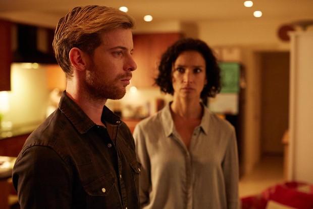 L to R: Danny (Luke Treadaway) and Jo (Indira Varma) (Channel 4, EH)