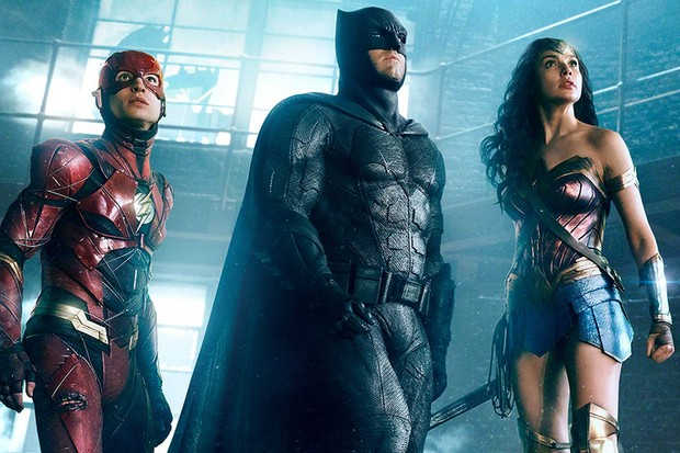 Ezra Miller, Ben Affleck and Gal Gadot in Justice League (Warner Bros, HF)