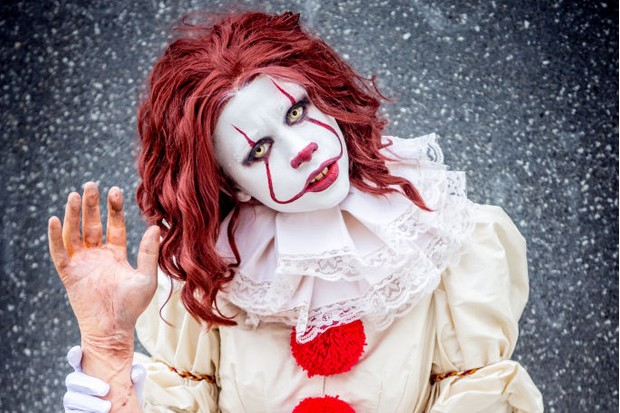 A cosplayer in character as Pennywise from It during MCM London Comic Con 2017 (Getty, JG)