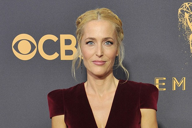 Gillian Anderson confirms she's leaving The X Files and American ...