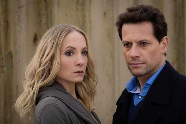 Joanne Froggatt et Ioan Gruffudd dans Liar (ITV)
