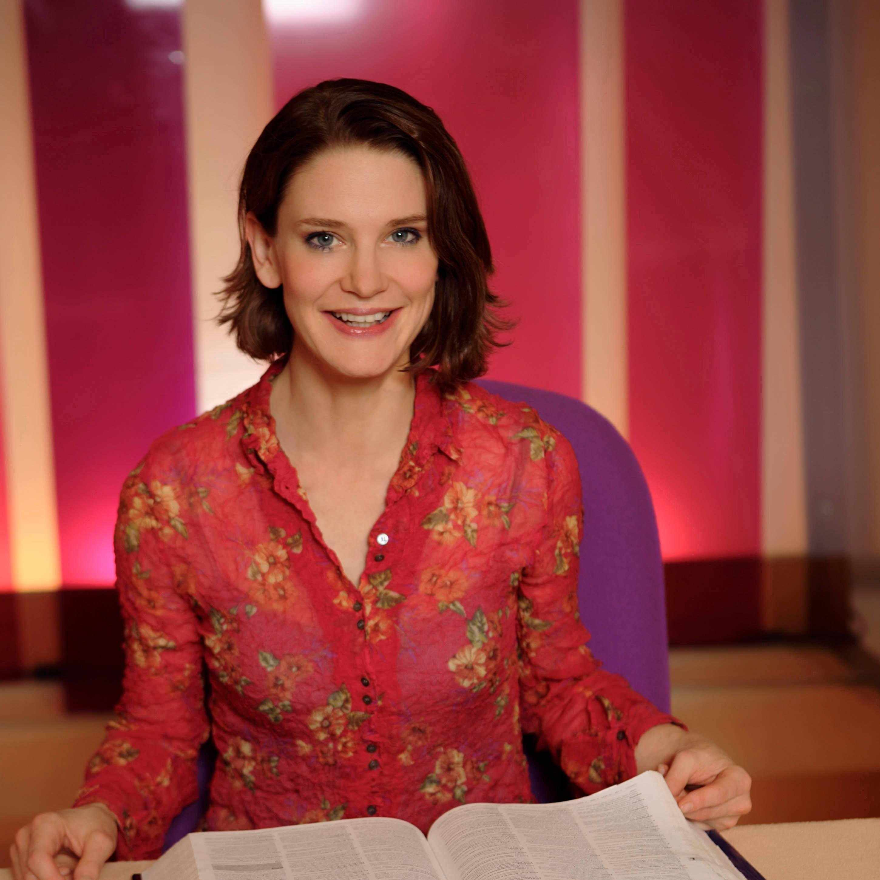 Susie Dent, Dictionary Corner (Countdown, BA)