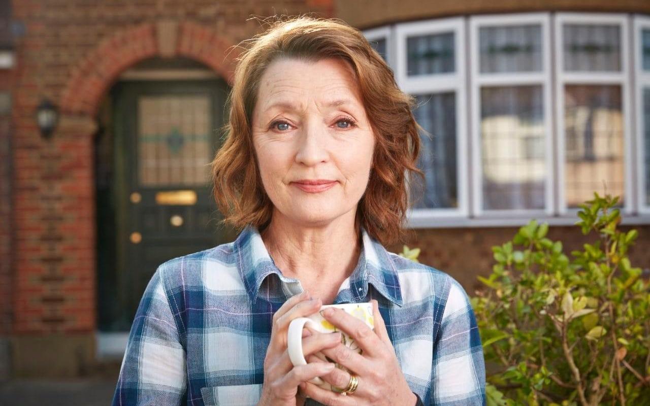 lesley manville mum bbc