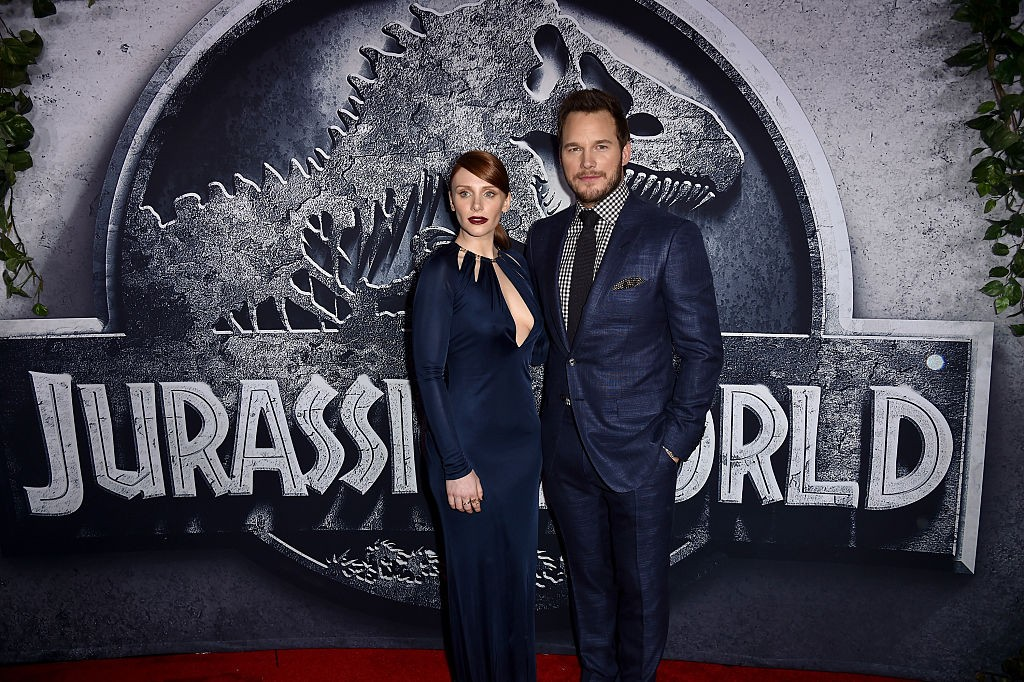 "HOLLYWOOD, CA - JUNE 09:  Actors Bryce Dallas Howard (L) and Chris Pratt attend the Universal Pictures' ""Jurassic World"" premiere at the Dolby Theatre on June 9, 2015 in Hollywood, California.  (Photo by Kevin Winter/Getty Images, BA)"