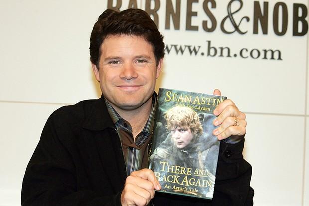 Sean Astin Signs Copies Of His Memoir At Barnes And Noble