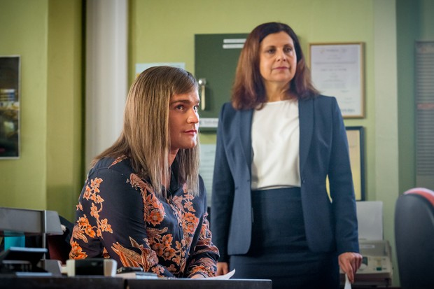Programme Name: Love, Lies & Records - TX: n/a - Episode: n/a (No. 2) - Picture Shows: L-R Jamie/James (MARK STANLEY), Judy (REBECCA FRONT) - (C) Rollem Productions - Photographer: Ben Blackall