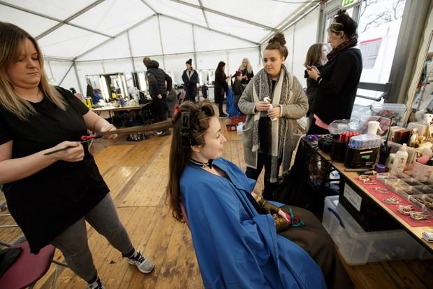 Outlander Season 3 2017 - Behind the scenes at Hair and Make Up