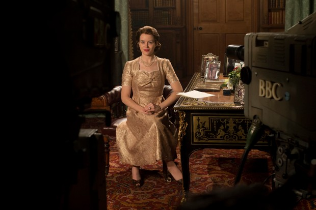 The Crown - Elizabeth - Elizabeth delivers her first televised Christmas address (Netflix, JG)