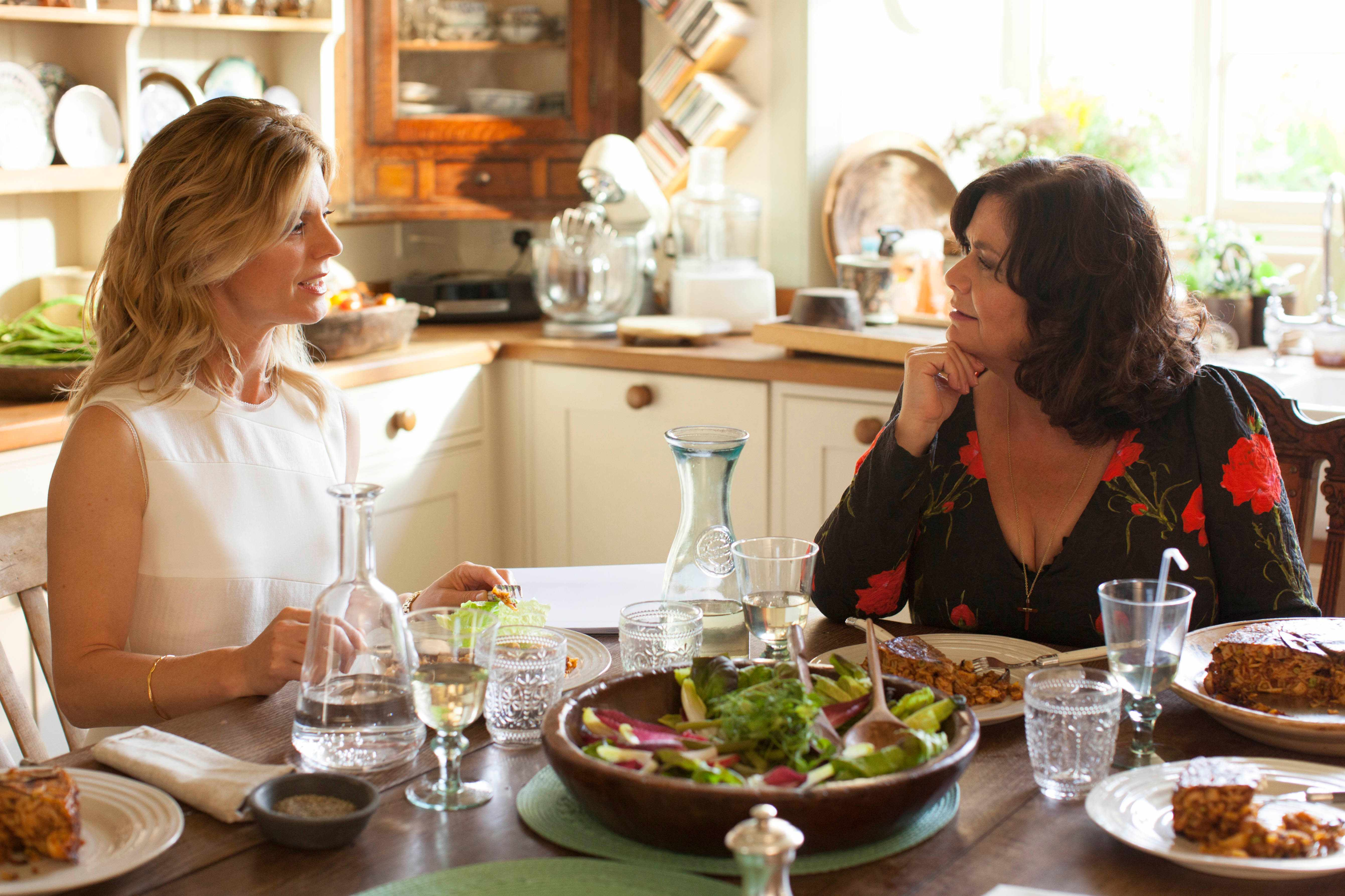 Delicious - Series 02  Episode 01  Emilia Fox as Sam and Dawn French as Gina. (Sky, BA)