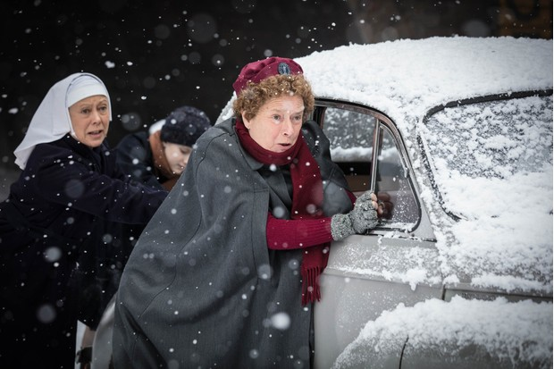 WARNING: Embargoed for publication until 00:00:01 on 09/12/2017 - Programme Name: Call the Midwife S7 - TX: 25/12/2017 - Episode: n/a (No. n/a) - Picture Shows: +++EMBARGOED UNTIL SATURDAY DECEMBER 9TH, 2017+++ Nurse Phyllis Crane (LINDA BASSETT), Sister Julienne (JENNY AGUTTER) - (C) Neal Street Productions - Photographer: Sophie Mutevelian (BBC, TL)