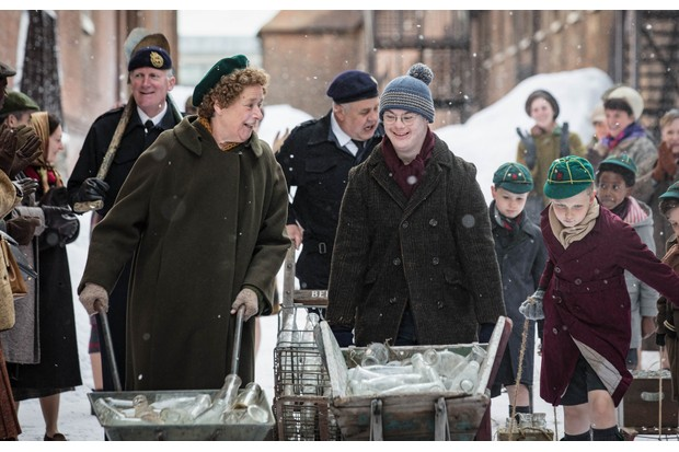 Reggie (DANIEL LAURIE) and Nurse Phyllis Crane (LINDA BASSETT) in the Call the Midwife 2017 Christmas special