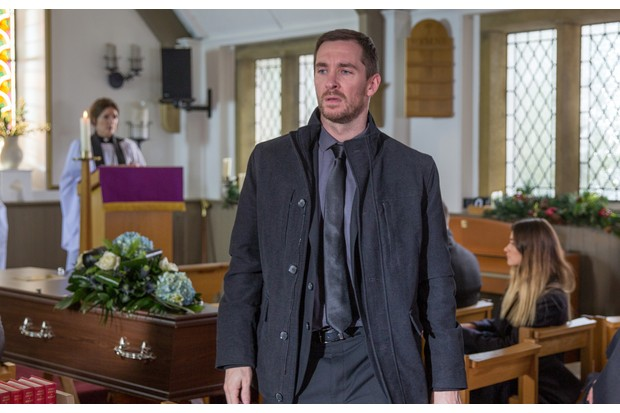 14_12_EMM_EMMA_FUNERAL_1ST_EP_03 (1)