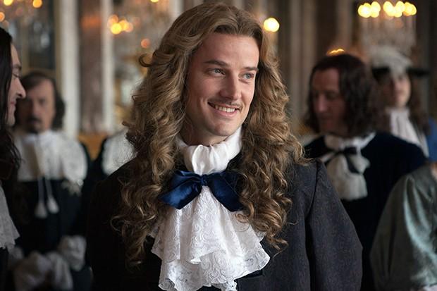 Evan Williams plays Chevalier in Versailles