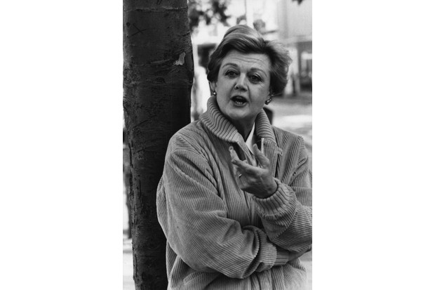 Angela Lansbury in 1948 (Photo by Evening Standard/Getty Images) TL