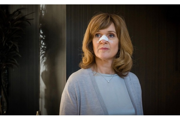 ITV pic publicity Nikki in Cole Feet (Siobhan Finneran)