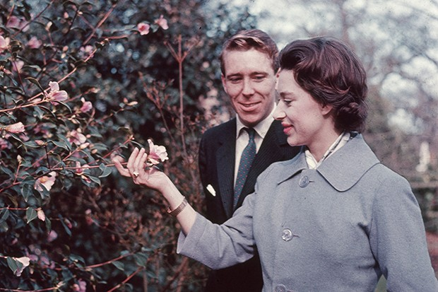 Princess Margaret and Antony Armstrong-Jones announce their engagement