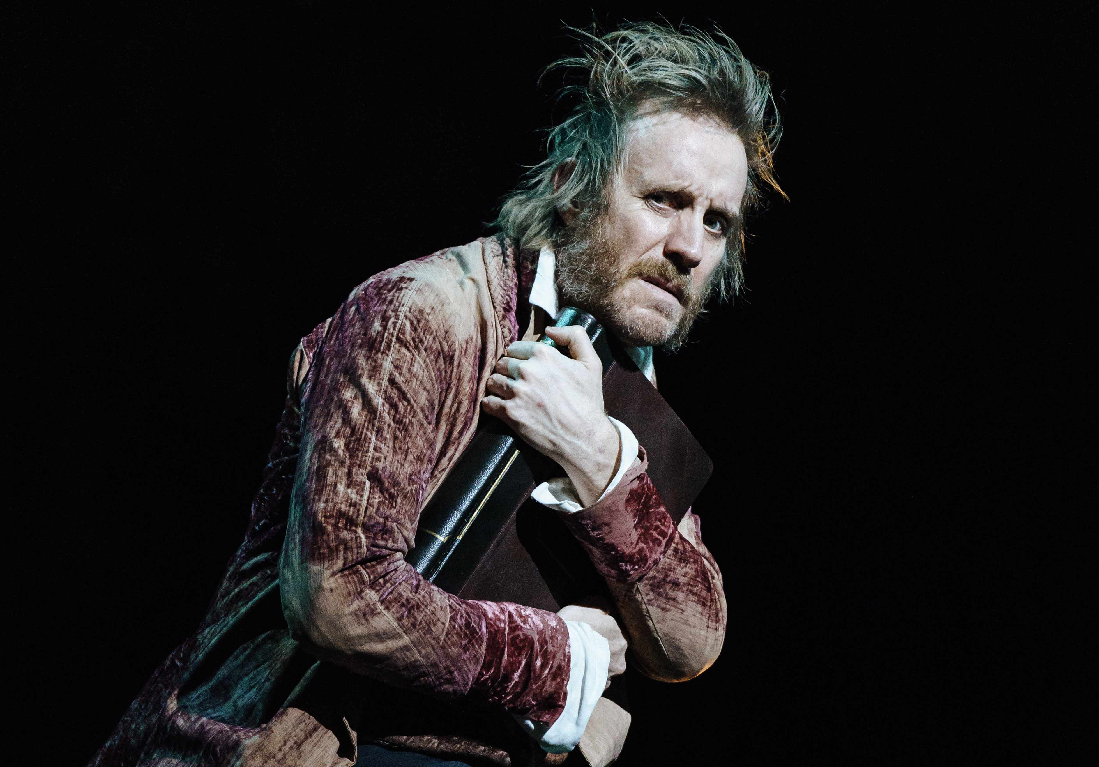 Rhys Ifans (Ebenezer Scrooge) in A Christmas Carol at The Old Vic. Photos by Manuel Harlan 3 copy