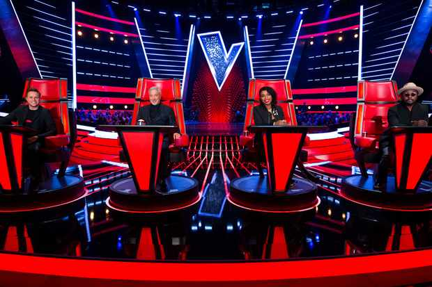 Olly Murs, Sir Tom Jones, Jennifer Hudson and will.i.am. in their Voice chairsITV, TL