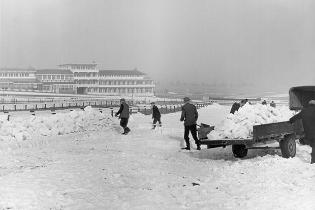 Cheltenham Racecourse on 28th February 1963, Getty, SL