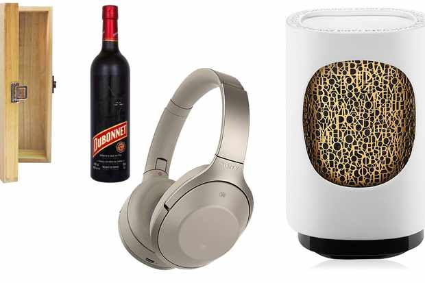 mum header - Best Christmas Gift Ideas For Mum - Smart Home, Candles And More