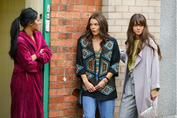 Kate leaves Coronation Street tonight - after kissing Sophie