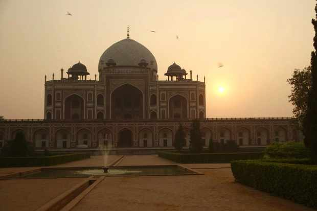 WARNING: Embargoed for publication until 00:00:01 on 16/01/2018 - Programme Name: Monty Don's Paradise Gardens - TX: n/a - Episode: n/a (No. 2) - Picture Shows: Humayun's Tomb, Delhi - (C) Blink Films - Photographer: Screen grab