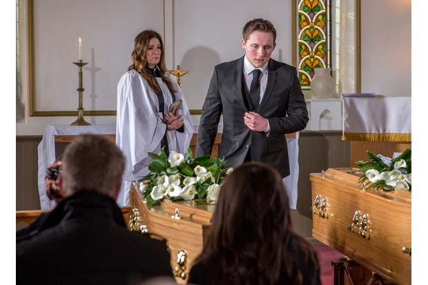 25_01_EMM_LACHLAN_FUNERAL_1ST_EP_03
