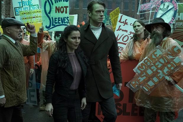 Joel Kinnaman (Netflix, BA)