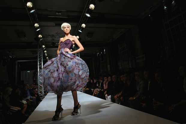 Agyness Deyn modelling (Getty, EH)