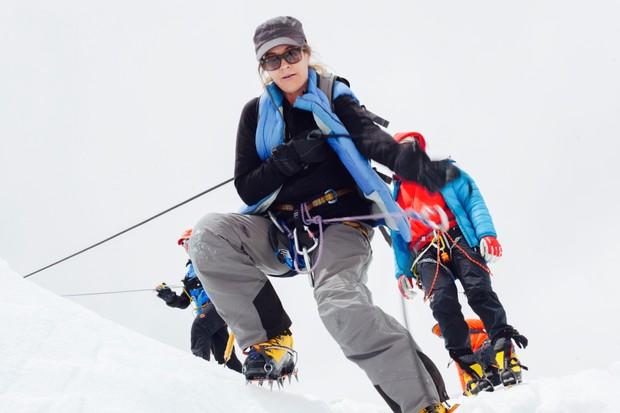 Jennifer Peedom filming Sherpa