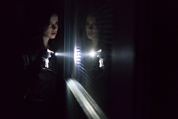 Krysten Ritter in Marvel's Jessica Jones (Netflix, HF)