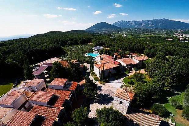 First Dates Hotel - Aquapetra
