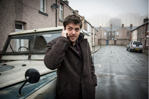 Cormoran Strike (TOM BURKE) in Strike: Career of Evil (BBC, JG)