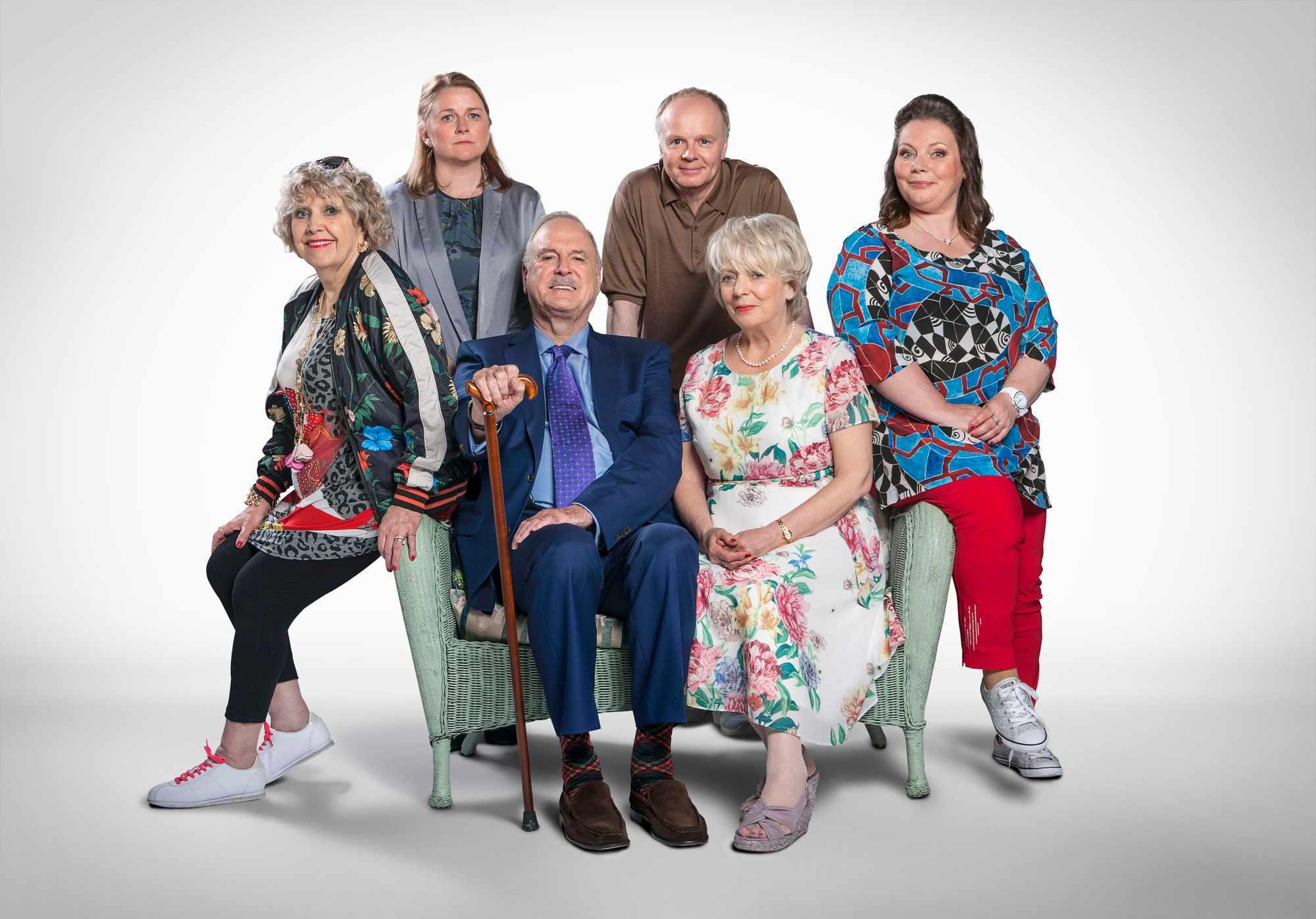 Cast of Hold The Sunset - Mrs Gale (ANNE REID), Wendy (ROSIE CAVALIERO), Phil (JOHN CLEESE), Roger (JASON WATKINS), Edith (ALISON STEADMAN), Sandra (JOANNA SCANLAN) - (BBC, SD)