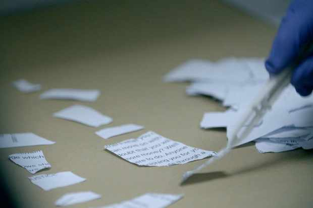 A copy of the ransom note was found in Suffling's house (C4,TL)