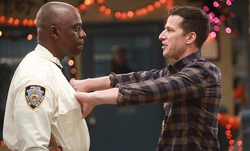 Andre Braugher as Ray Holt, Andy Samberg as Jake Peralta in Brooklyn Nine-Nine (E4, HF)