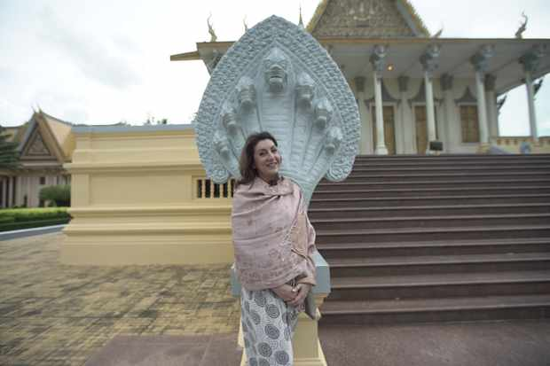 Jane in front of the Royal Palace, Phnom Penh