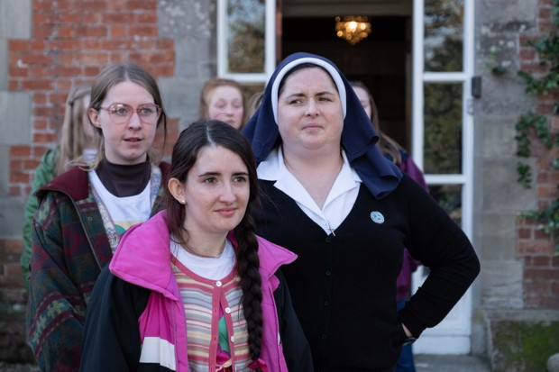 Jenny (Leah O'Rourke) and Sister Michael (Siobhan McSweeney)