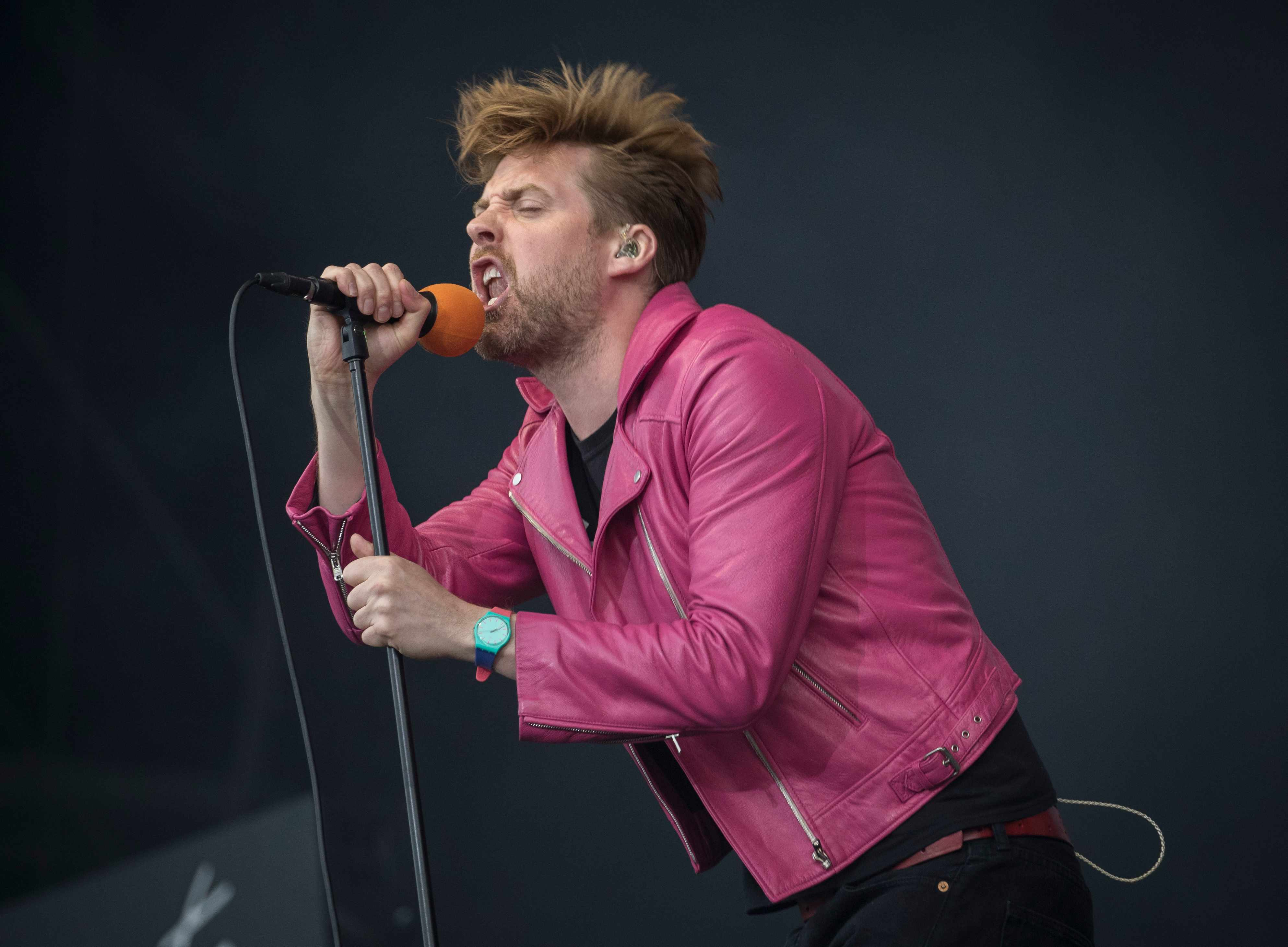 Ricky Wilson of the Kaiser Chiefs performs on day 2 of The Isle of Wight festival in 2017 i
