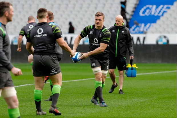 Ireland's national rugby team players take part in the captain run in Saint-Denis on February 2, 2018 on the eve of the Six Nations rugby union match against France on February 3. / AFP PHOTO / THOMAS SAMSON (Photo credit should read THOMAS SAMSON/AFP/Getty Images)