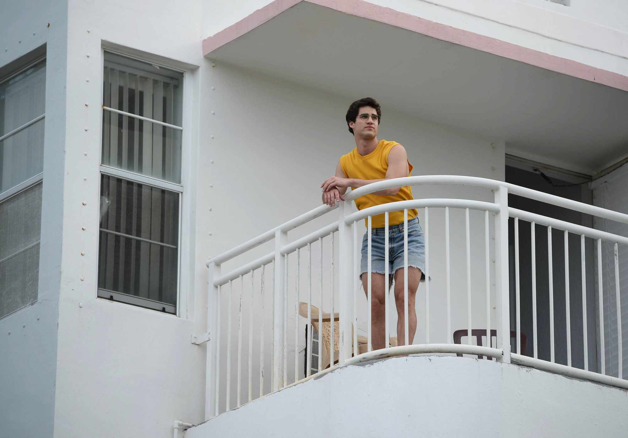 Programme Name: The Assassination of Gianni Versace: American Crime Story - TX: 07/03/2018 - Episode: Manhunt (No. 2) - Picture Shows:  Andrew Cunanan (DARREN CRISS) - (C) © 2018 Fox and its related entities. All rights reserved. - Photographer: Jeff Daly/FX