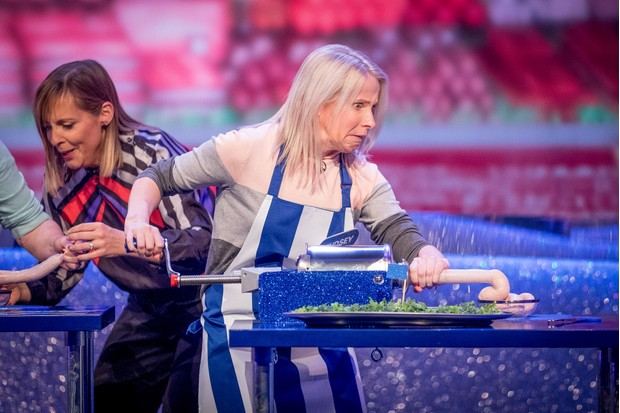 WARNING: Embargoed for publication until 00:00:01 on 27/03/2018 - Programme Name: The Generation Game 2018 - TX: n/a - Episode: n/a (No. 1) - Picture Shows: Mel Giedroyc, Lindsey - (C) BBC - Photographer: Guy Levy