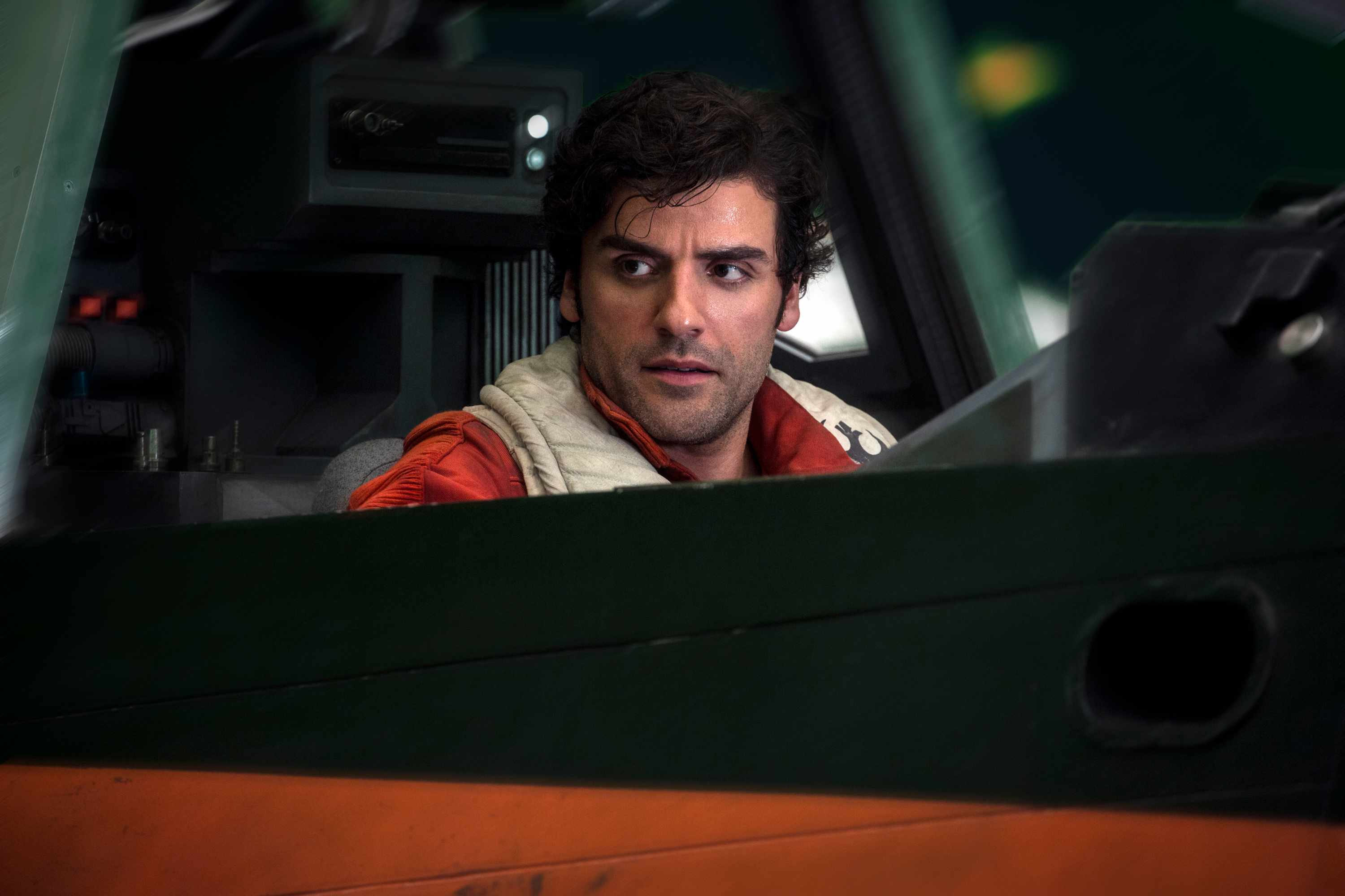 Star Wars: The Last Jedi..Poe Dameron (Oscar Isaac)..Photo: Jonathan Olley..©2017 Lucasfilm Ltd. All Rights Reserved.  Disney, Sky pics, TL